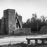 Памятник-шалаш В.И. Ленину в Разливе