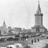 Гостиница «Ленинградская» на Комсомольской площади