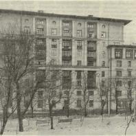 Жилой дом, построенный по проекту арх. Е.Л. Иохилеса (Никитский бульвар, № 7—9). Третья премия.