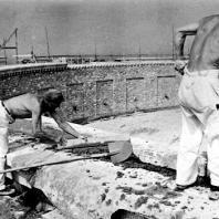 Кольцевые гробницы. Строительство кольцевой гробницы № 3. Июль 1955 г. Фото: Ernst Schäfer