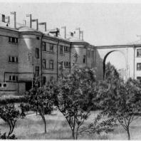 Застройка Тракторной улицы. Озеленение двора