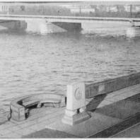 Набережная Красного Флота и стела «Авроры»