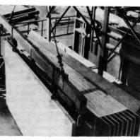 Рис. 4 Выемка из кассеты первой панели на полигоне завода дробильно-размольного оборудования в г. Выксе, 1958 г.