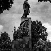 6. М. Г. Манизер. Памятник Т. Г. Шевченко в Харькове. 1935