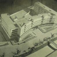 Жилой дом Ленинградского Совета. Макет дома со стороны набережной