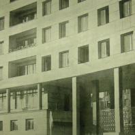 Жилой дом Ленинградского Совета. Лоджии на главном фасаде