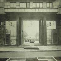 Жилой дом Ленинградского Совета. Проезд во двор