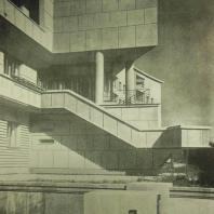 Жилой дом Ленинградского Совета. Фрагмент главного фасада