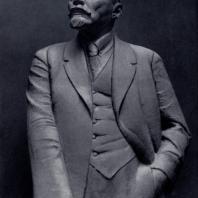 Н.А. Андреев. Ленин — вождь. Мрамор. 1931 — 1932 гг. Москва, Третьяковская галерея