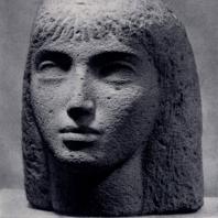 В.С. Ониани. Портрет девушки. Камень. 1960 г. Тбилиси, Музей искусств Грузинской ССР