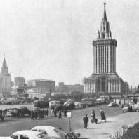 Перспективный вид здания гостиницы «Ленинградская» на Комсомольской площади