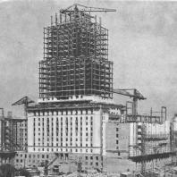 Строительство высотной гостиницы «Украина» на Дорогомиловской набережной