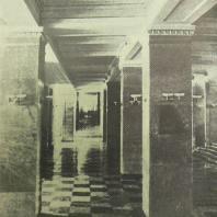 Дом СНК СССР в Москве. Вид на коридор из вестибюля