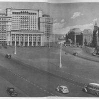 Москва. Манежная площадь. Реконструирована в 1935—1938 годах