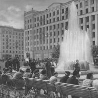 Москва. Советская площадь. Реконструирована в 1939 году