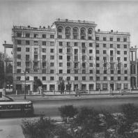 Москва. Большая Калужская улица. Жилой дом. А.Г. Мордвинов. 1940