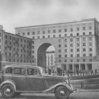 Горький. Жилые дома по Октябрьской улице. И.А. Голосов. 1938