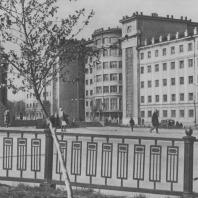 Челябинск. Улица Воровского. Театр имени Цвиллинга и гостиница