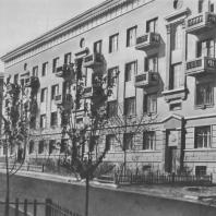 Челябинск. Жилые дома на улице Цвиллинга